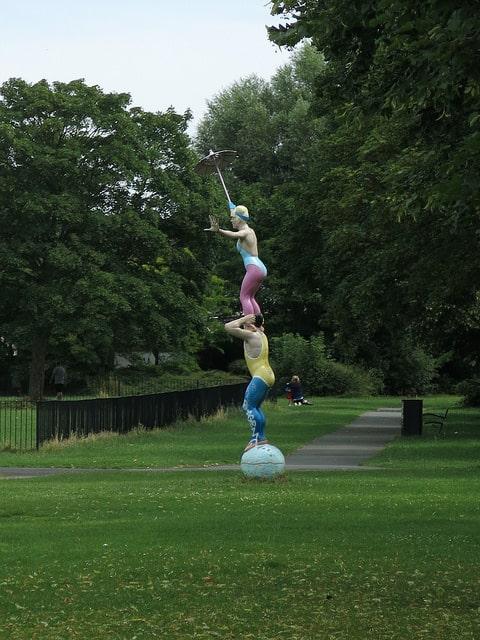 Public Art in Swindon - The Blondinis sculpture