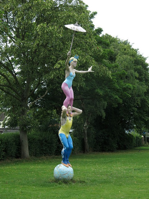 Ten things to celebrate about Swindon No 4: The sculptures.  D: 'The Great Blondinis'
