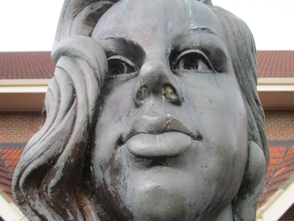 Close up face of diana dors statue