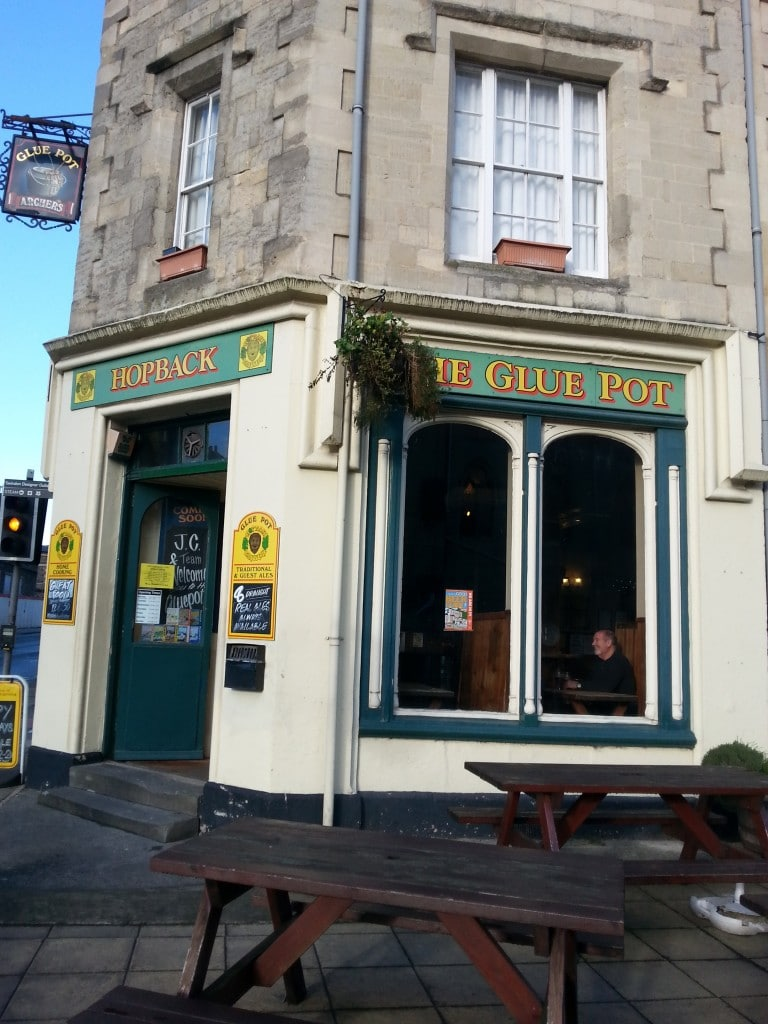 The glue pot pub in GWR Railway village
