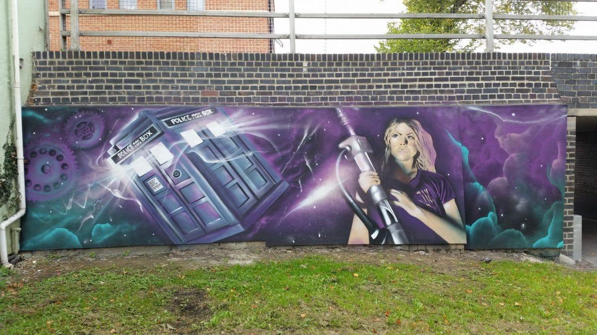 mural Rose Tyler - Dr Who cambria bridge
