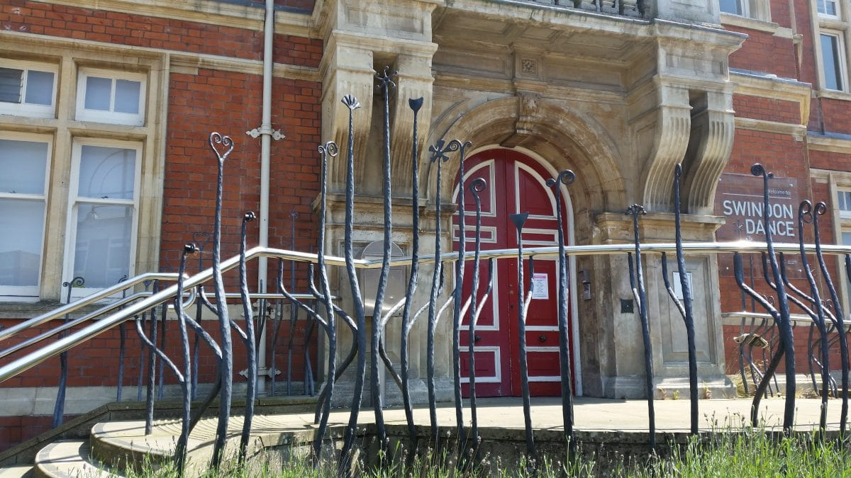 It's the Rail Thing – Swindon Town Hall Railings