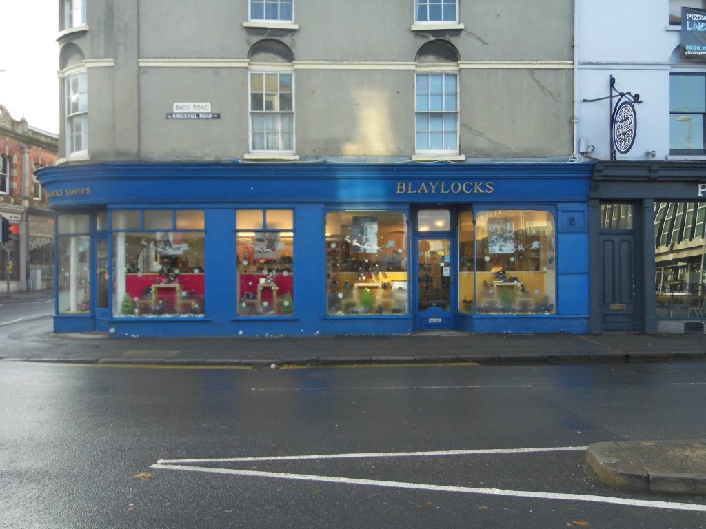 Blaylock's Shoe Shop Old Town - Blaylocks's front distance
