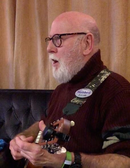 Alan Rothwell at Swindon Folk club