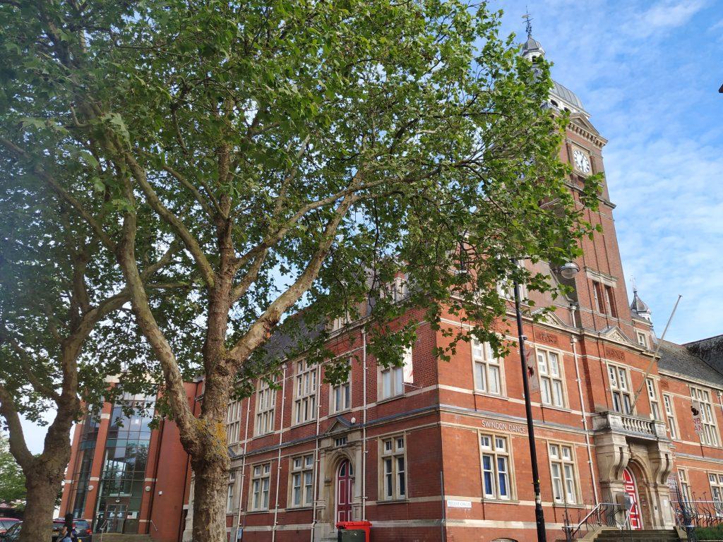 swindon town hall
