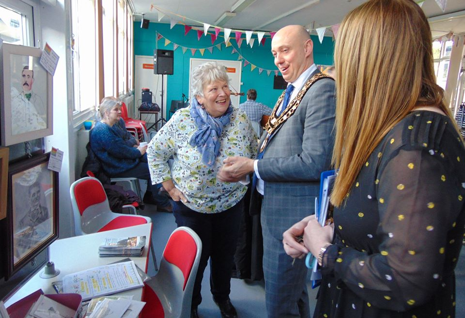 Marilyn Trew chats to the mayor