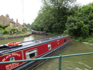 A Kennet and Avon Canal Journey - a snarl up on the canal