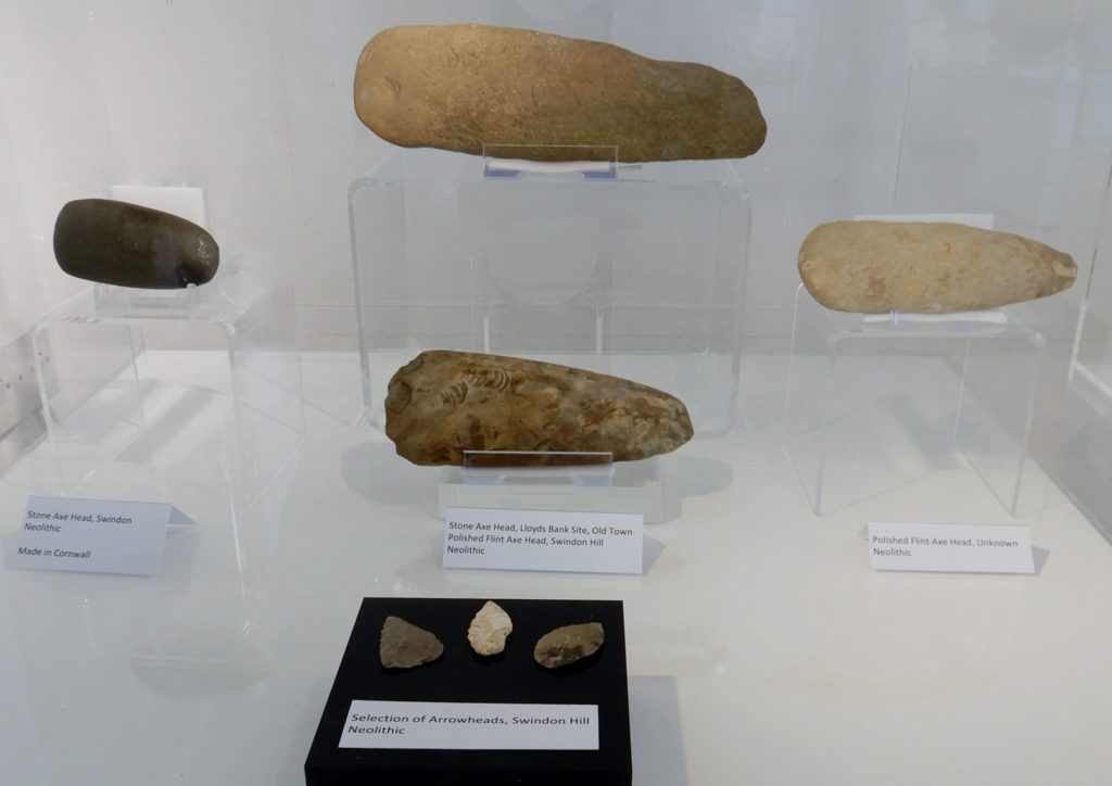 Neolithic-4100-2500-BC-axes-and-arrowheads-from-the-Swindon-area